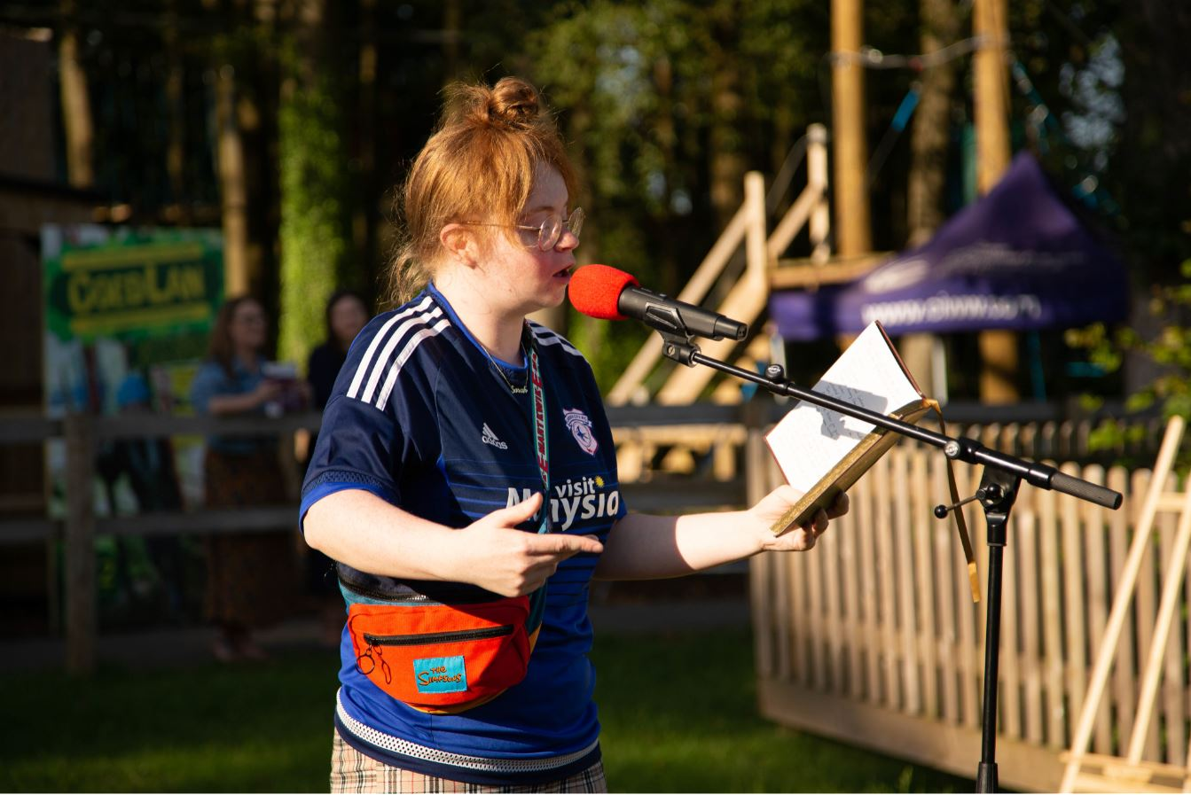 Sarah McCreadie performing in the sun